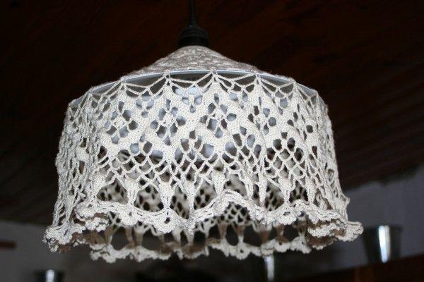 lustre au crochet. Black Bedroom Furniture Sets. Home Design Ideas
